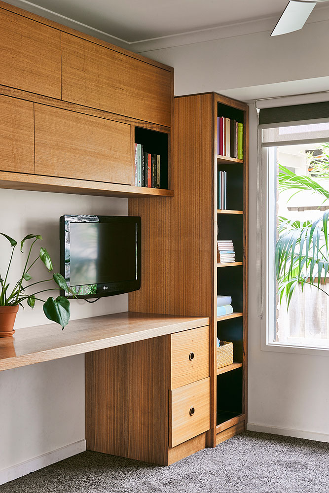 Timber custom designed office furniture and joinery. Built with local sustainable timber. Barwon Heads, Bellarine Peninsula, Geelong, Victoria